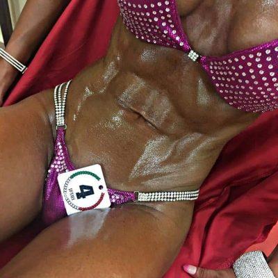 Gara Bikini IFBB addominali