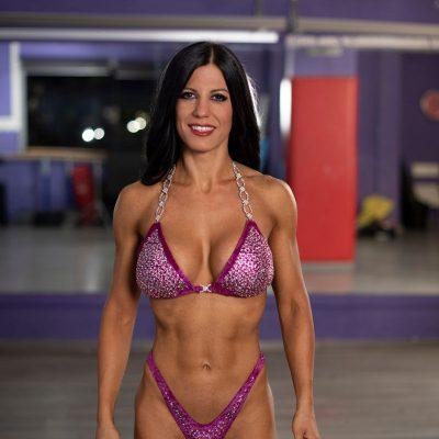 Posing bikini in palestra - Dott.ssa Valeria Galfano